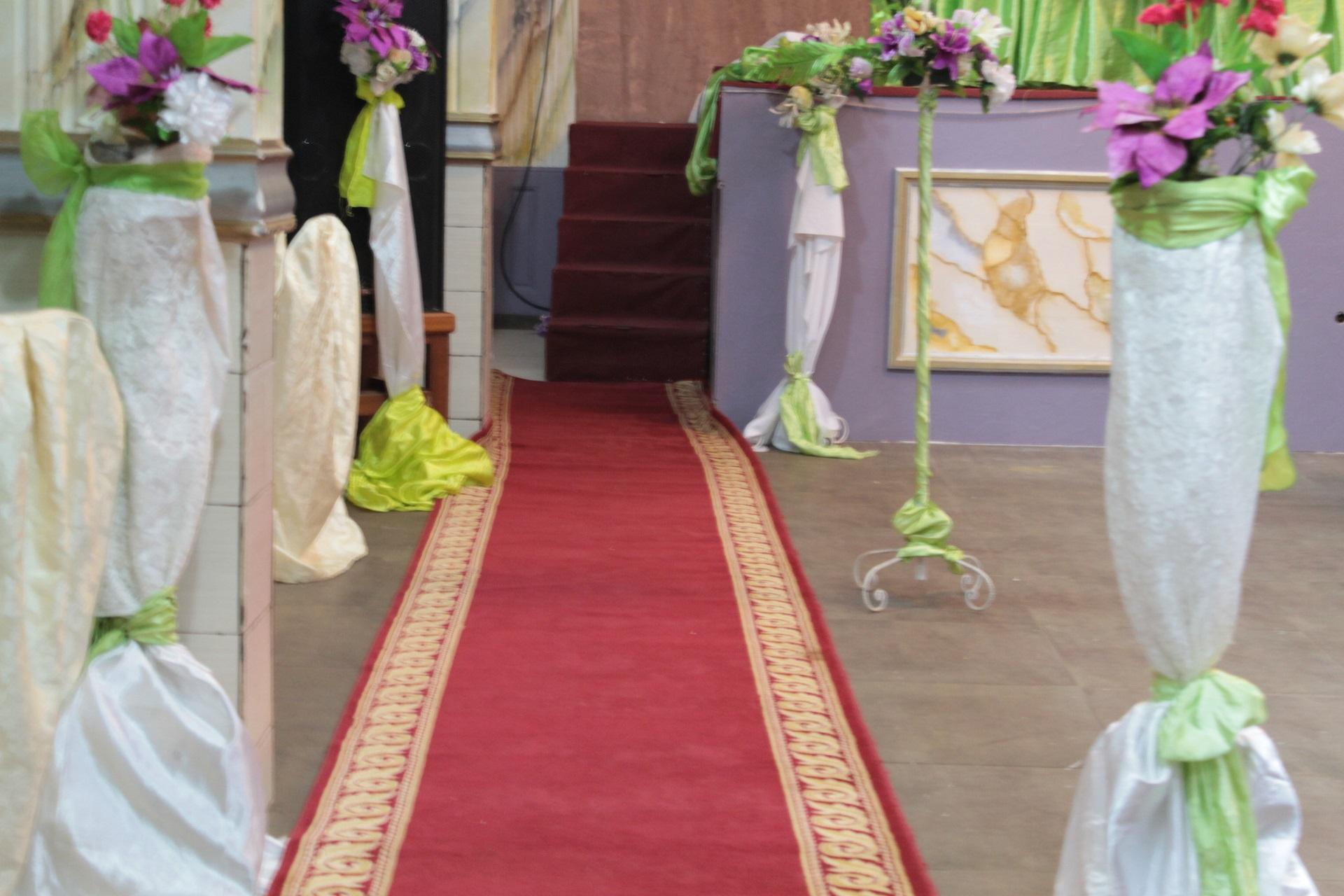 Un tapis rouge à votre demande pour vos invités